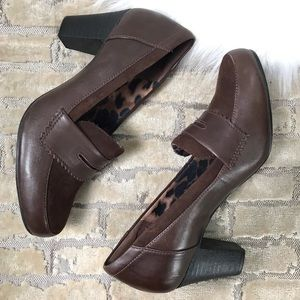 CLARKS Brown Leather and Suede Career w Wood Heel